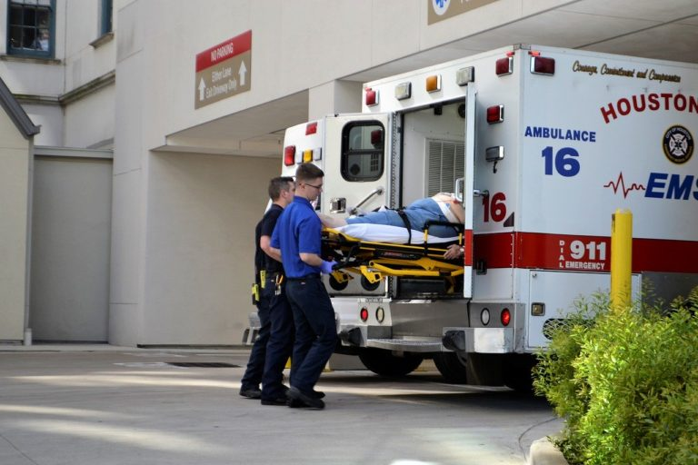 Should I go to the emergency room: the trauma factor